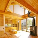 薪ストーブのある家