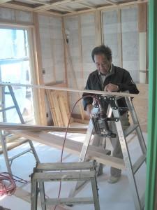 悠遊はうす 和室天井の杉板加工