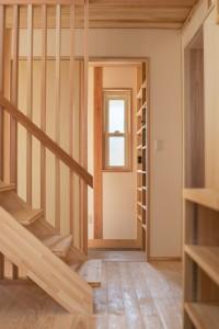 階段と縦格子